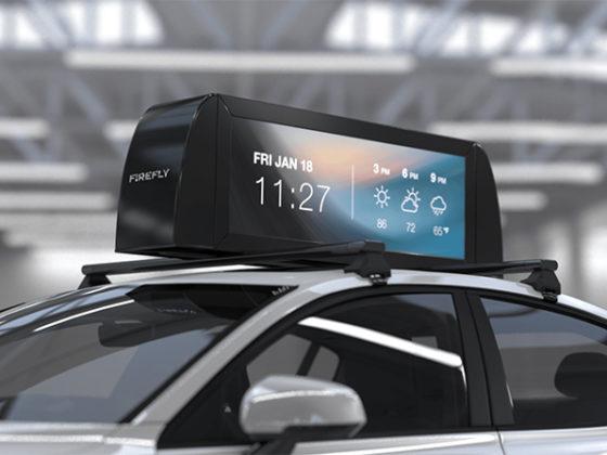 ライドシェアの車上ディスプレイに広告を表示するFirefly